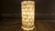 LAMPADA ABAT JOUR MADREPERLA E RESINA WHITE DIAM. 15 H30 CM.