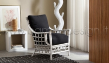 POLTRONA IN RATTAN INTRECCIATO TOWUTI - WHITE ANTIQUE 80X80 H93 CM.