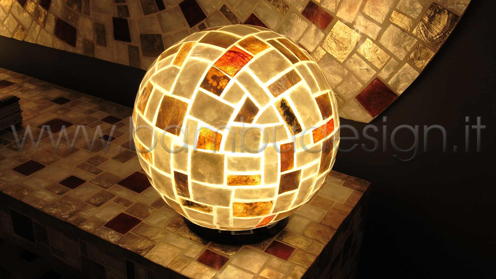 Lampada abat jour shell klimt sfera diam bambù design milano